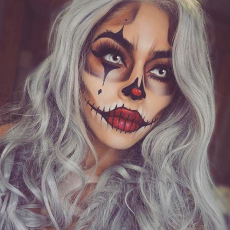 Sexy halloween clown makeup
