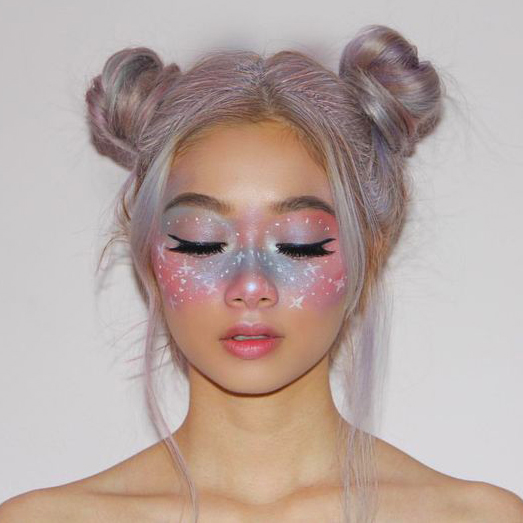 Starry eyes makeup for Halloween by @pinpinpinpin